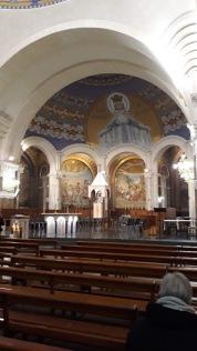 crkva unutra 1