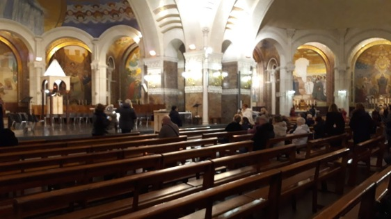 crkva unutra