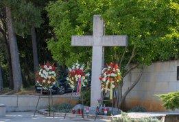 Centralni križ na pulskom groblju